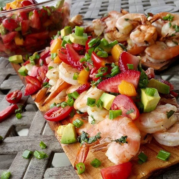 CILANTRO-LIME-GRILLED-SHRIMP-WITH-MANGO-SAUCE-MEXICAN-FOOD-PRODUCTS.jpg